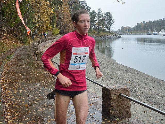 Tessa Frenay vant kvinneklassen i årets Bygdøymila på 36.36, nesten to minutter raskere enn hennes bestetid tidligere i år fra Halden byløp.