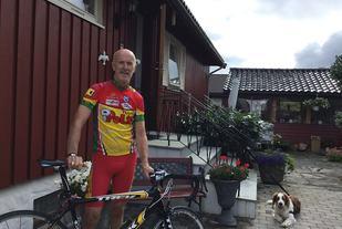 Syklist: Det blir noen timer på sykkelsetet gjennom sesongen for Arne Kalvik, men yndlingsøkta er løpeturen med kompisene søndags kveld. Foto: privat