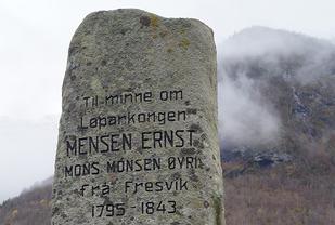Sjølv om det er ca. 200 år sia Mensen Ernst for ut på sine enormt lange springturar, lever minnet om han framleis.
