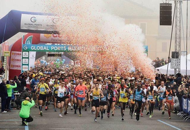Fra starten av årets Ravenna Marathon (Foto: facebook/maratonadiravenna).