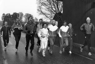 Her ser vi løperne underveis i 1986. Vi kjenner igjen Mariann Stenbakk. Kjenner du igjen flere?