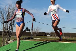 Karoline Bjerkeli Grøvdal dannet par sammen med rumenske Roxana Barca da forhåndsfavoritten Yasemine Can sattte opp farten. (Foto: Mark Shearman)