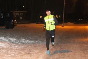 Bjørn Egil Nordseth inn til 14.15 på den 4,1 km lange runden, bare 23 sekunder bak sin og Henning Mortensens løyperekord satt på bar asfalt. (Foto: Esther Innselset)