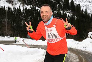 Eivind Hodneland beholder humøret selv i de bratteste stigningene opp til Bontveit.