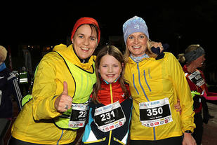 Karin Lampe, Sølvi Lampe og Janne Molnes kan juble over gjennomført 5 km.