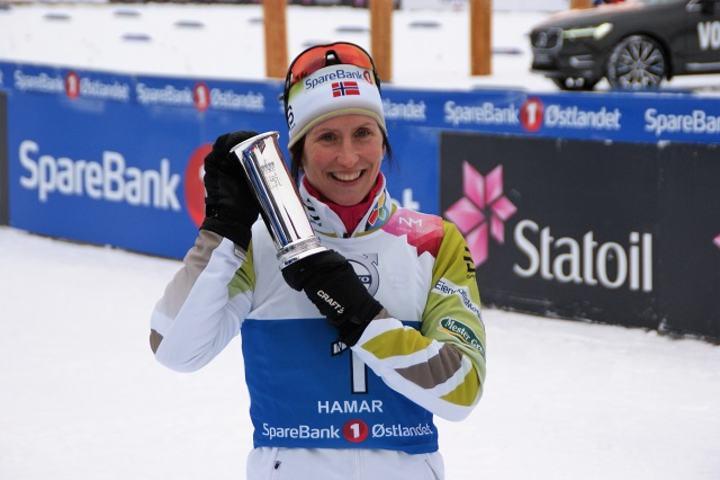 Marit Bjørgen - her med kongepokal i årets NM på Gåsbu - er klar for å inspirere oss alle i OL om noen dager. (Foto: Stein Arne Negård)
