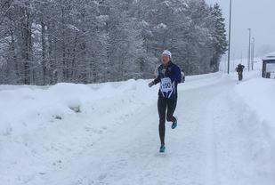 Mariann Roe alene mot mål i årets første løp i Bø. (Foto: Espen Nordli Eriksen)