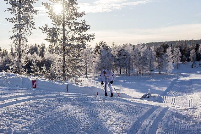 Håvard Hansen på de siste meterne opp til samfunnshuset i Søre Osen. (Foto: Øivind Larsen)