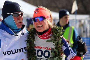 Ragnhild Bolstad fra Åslia Skilag hadde all grunn til å smile etter å tatt tre gull, en sølv i veteran-VM og avsluttet USA-turen med å vinne City of Lakes Festival. (Arrangørfoto)