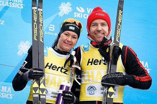 Det har handlet mye om Tord Asle Gjerdalen og Britta Johansson Norgren både ifjor og i år i Ski Classics. Med seieren i Toblach-Cortina styrket de sine sjanser kraftig til å vinner Ski Classics sammenlagt igjen. Foto: Arrangøren