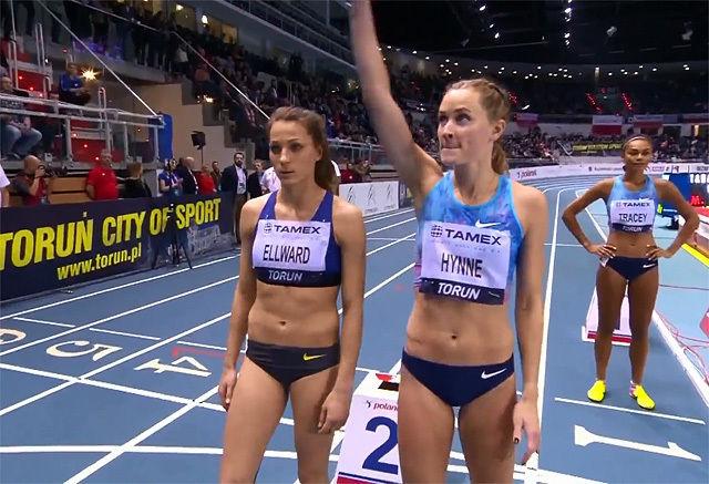 Hedda Hynne virka målbevisst på startstreken foran 800 m-løpet. (Foto: skjermdump fra livestreamingen)