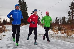 Arild, Solfrid (Sol) og Bodil trener til Trondheim maraton, og treningsoppleggene kan du følge i Kondis papirutgave. (Foto: Marianne Røhme)