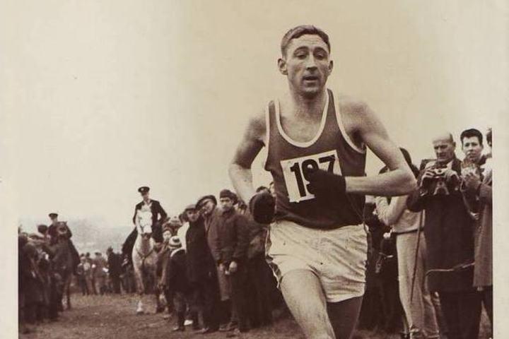Ron Hills runstreak varte i over 52 år, til februar 2017. Bildet er fra et britisk terrengmesterskap i 1968.