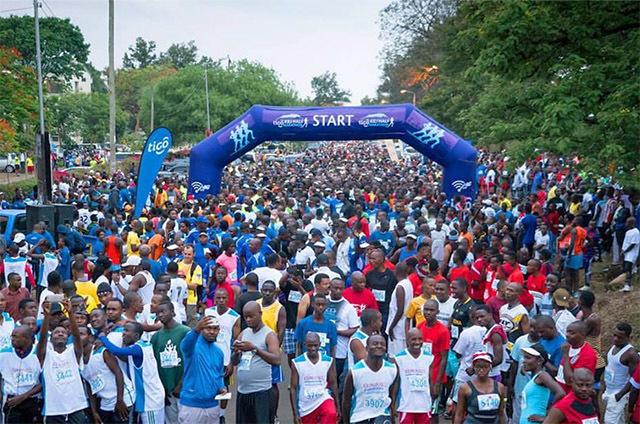 Kilimanjaro_Marathon_starten.jpg