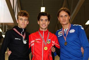 Premiepallen for G18/19 på 800 meter: Mathias Flak, Kjetil Brenno Gagnås og Thomas Blücher.