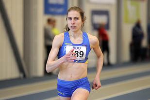 Caroline Fleischer dro greit i fra konkurrentene sine på 800 meter