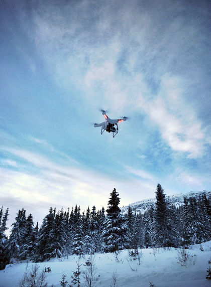 Drone i vinterlandskap.jpg Foto Luftfartstilsynet