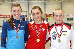 Premiepallen på 1500m i J15: Johanna Ågesen Tofte, Sigrid Alvik, Mali Eidnes Bakken.