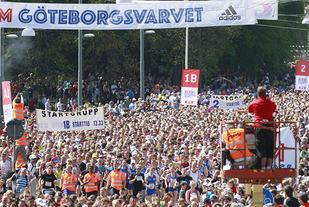 Deltakerne i Göteborgsvarvet er delt inn i hele 25 startpuljer, og mange løper seedingslopp for å få stå lenger fremme når Varvet går i midten av mai. (Foto: Per Inge Østmoen)