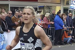 Pernilla Epland kom som eit friskt pust inn i norsk langdistansespringing i fjor, og i år ser ho ut til å bli enda betre. (Foto: Nils Hetleflåt)