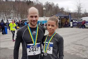 Forholda lå ikke an til rekordtider, men Arne Post og Ida Bergsløkken fikk med seg en frisk og fin Premiärmil på Djurgården i Stockholm. (Foto: privat)