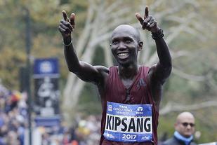Wilson Kipsang som har maratonpers på 2.03.23 og halvmaratonpers på 58.59, er klar for Göteborgsvarvet. (Foto: AP Photo / Seth Wenig)