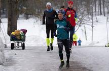 Vidar Ellefsen trener løping året rundt og sper på med langrenn og terrengsykling deler av året. På nest siste dag i 2018  startet han  på turrennsesongen på Sjusjøen, og på den femte dagen i 2019 stiller han på halvmaraton i Tromsø. (Foto: Heming Leira)