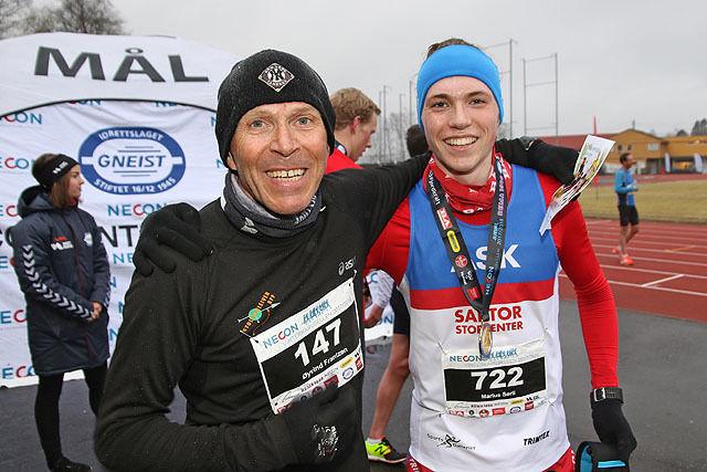Øyvind Frantzen er en av veteranene i Vinterkarusellen, over 140 ganger har han deltatt her og denne gangen ble det også en plassering innenfor de 10 beste. Her sammen med Marius Sørli.