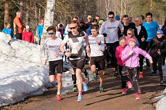 Gode løpsforhold på Sognsvann. Her fra starten på SRM onsdag 11.april Foto: Jørgen Lindalen