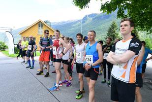 Fra starten på fjorårets løp. (Foto: Daniel Alexander Holm)