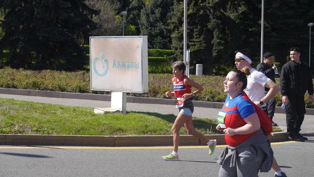 Vera_Nystad_i_maraton_loepet.jpg
