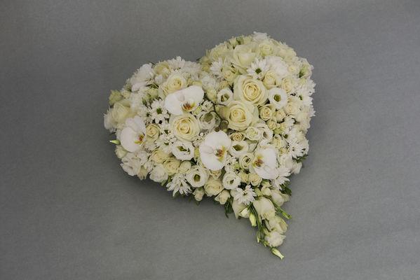 170709_blomst_blosmter_begravelse_hjerte[1]