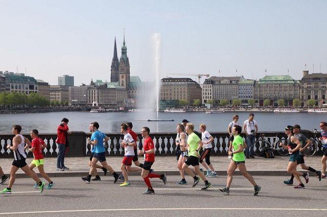 Sommerlig forhold med sol og temperaturer over 20 grader preget årets Hamburg Marathon (Foto: Hambug Marathon/Facebook).