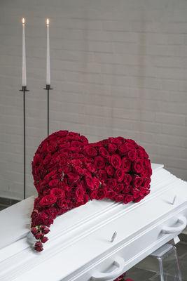 170743_blomst_blomster_begravelse_hjerte_hjerter