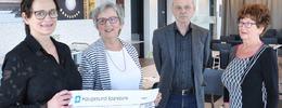 Gaveoverrekkelse - Karin Lande Åse Berge  Nils Brede og Kari Brede_900pxl