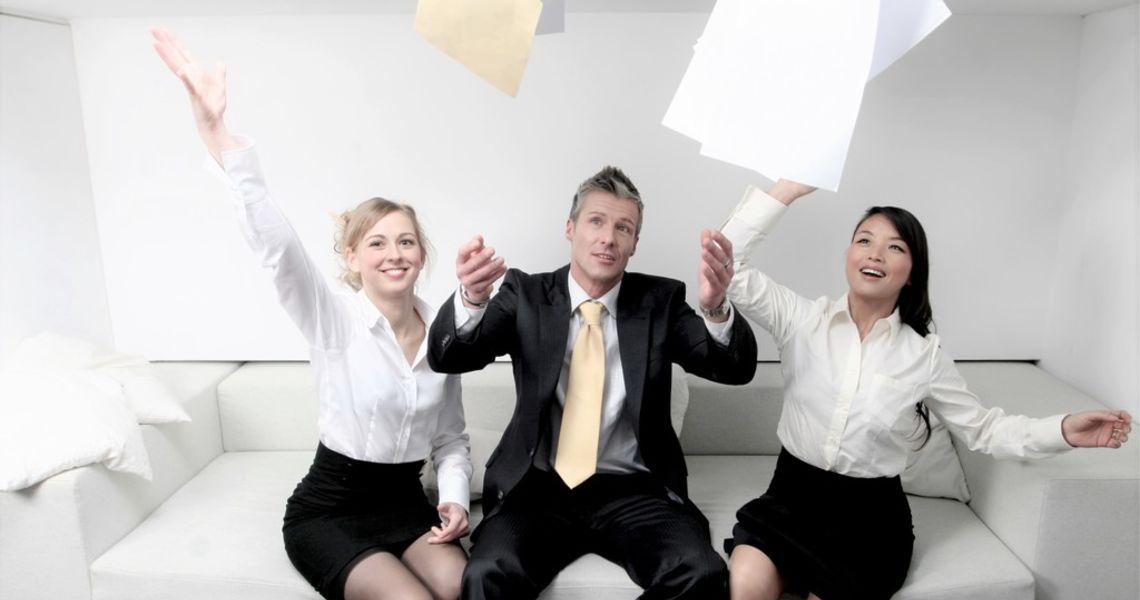 OPPSIGELSESPROSESSEN: Du må få frem at «vi er her for deg», enten dette betyr sluttpakke, hjelp til å finne ny jobb, eller program for veien videre. Som leder er det din rolle å komme med positive alternativer til hva vedkommende kan gjøre fremover.