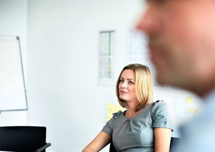 Utfordringer skal tas opp når de kommer, ikke i medarbeidersamtalen fire måneder senere. Likevel opplever en del at nettopp medarbeidersamtalen blir et slikt sted.