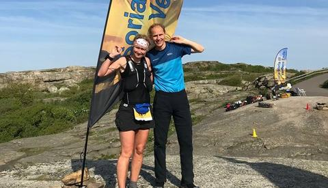 Helle Manvig som totalvant 50 miles og Rolv Skotheim som vant 100 miles løp inn til de to sterkeste prestasjonene ved Vippefyret på Tjøme. (Foto: Mona Kjeldsberg)