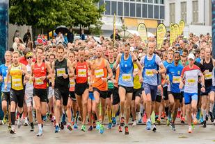 Start halvmaraton i 2017 Foto: Øyvind Andersen