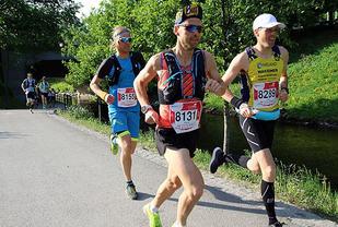 Herreteten utfra mål på EcoTrail 80 KM. Fra venstre: Gjermund Nordskar (8155), Didrik Hermansen (8131) og Jarle Risa (8289)
