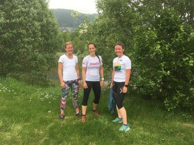 Tre beste – kvinner: f.v: Anette Hauger, Ingrid Aarflot Ryste og Hege Leikanger. Foto: Arrangør.