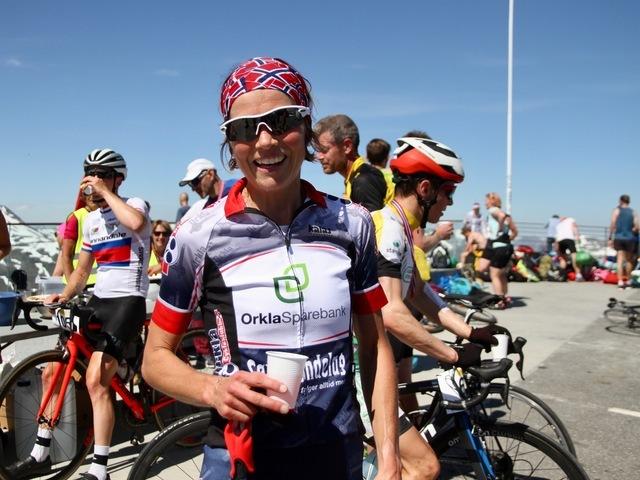Borghild Løvset liker seg i Geiranger og vant Nibberittet andre år på rad. 38-åringen la opp som elitesyklist i 2015, men holder hjula gående og presterer fremdeles godt.