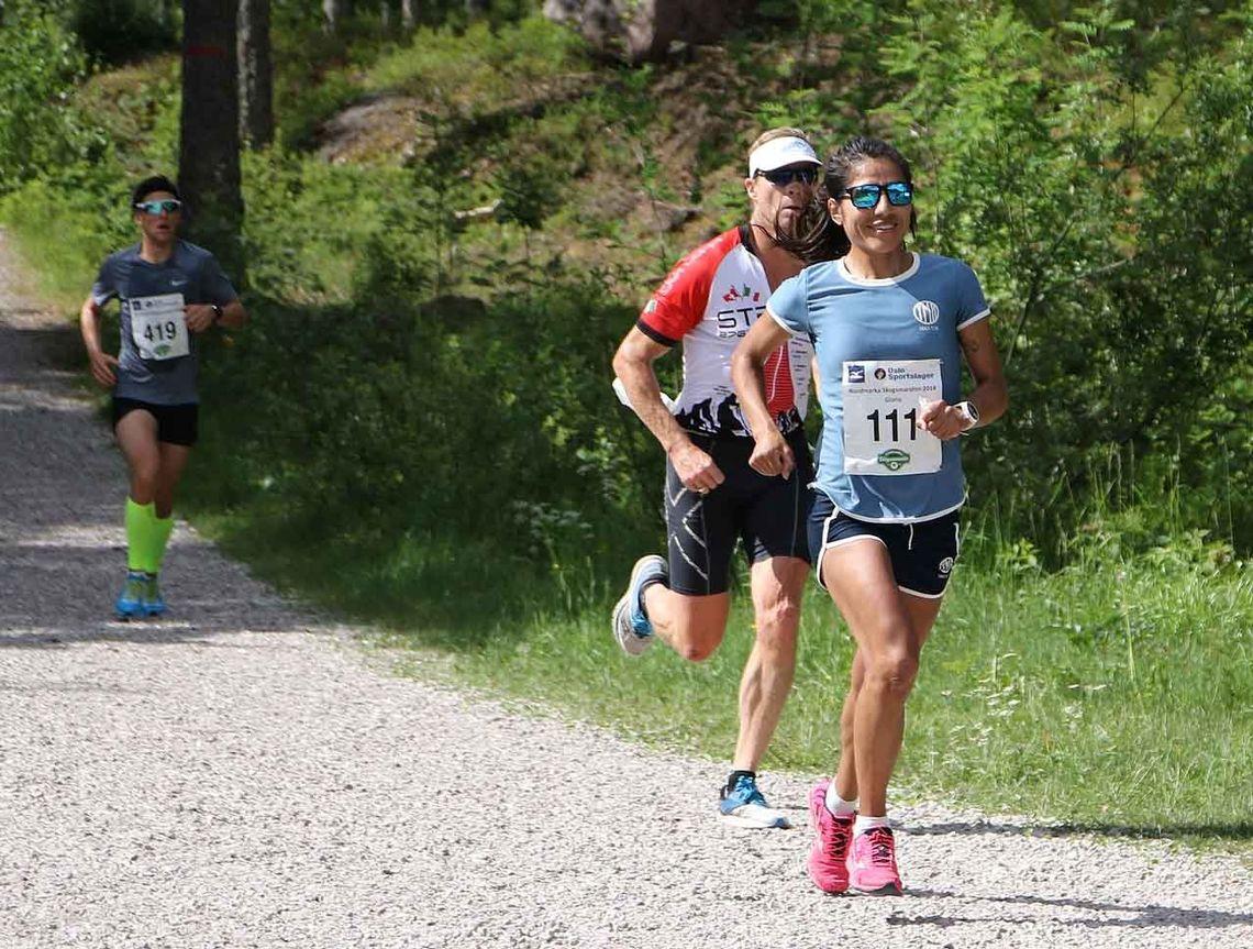 Gloria Vinstedt har vunnet maraton i Nordmarka Skogsmaraton de tre siste årene. Hva velger løperen med god ultraløperbakgrunn i år? (Foto fra 2018: Runar Gilberg)