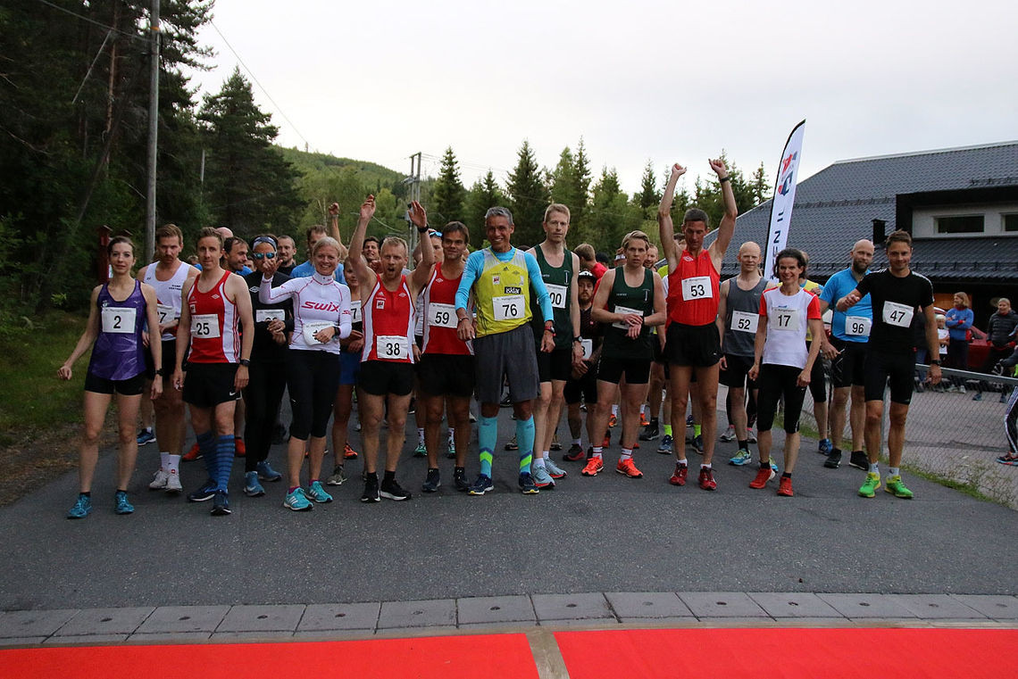 Den røde løperen er lagt ut og  det er  klart for start i  St.Hansgaloppen. Alle foto: Heming Leira