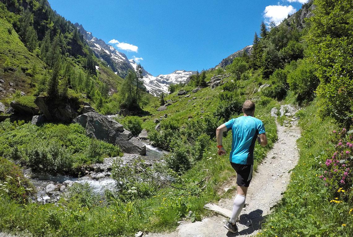 I vakker natur går treningen som en lek. (Foto: Bjørn Johannessen)
