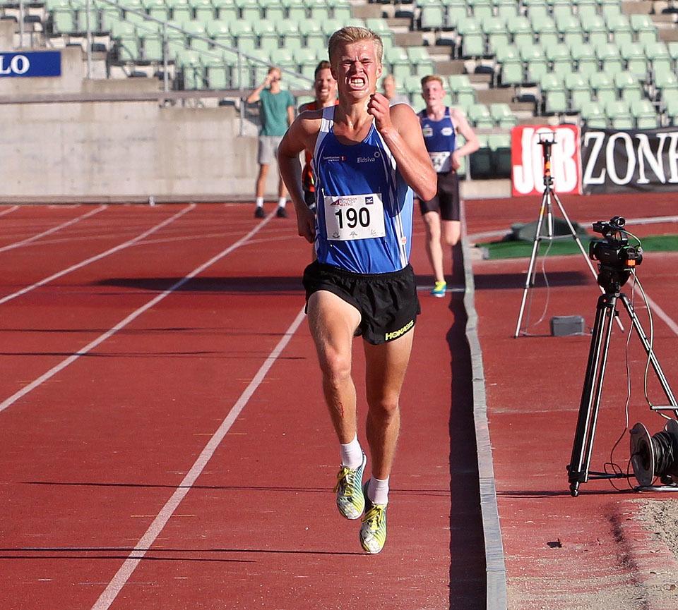 5000m_menn_Skjeseth_mot_maal_A20G8928.jpg