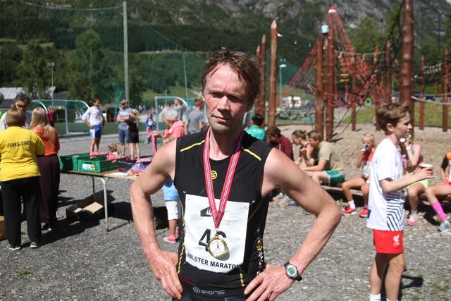 Vinner_maraton_Helge_Hafsås