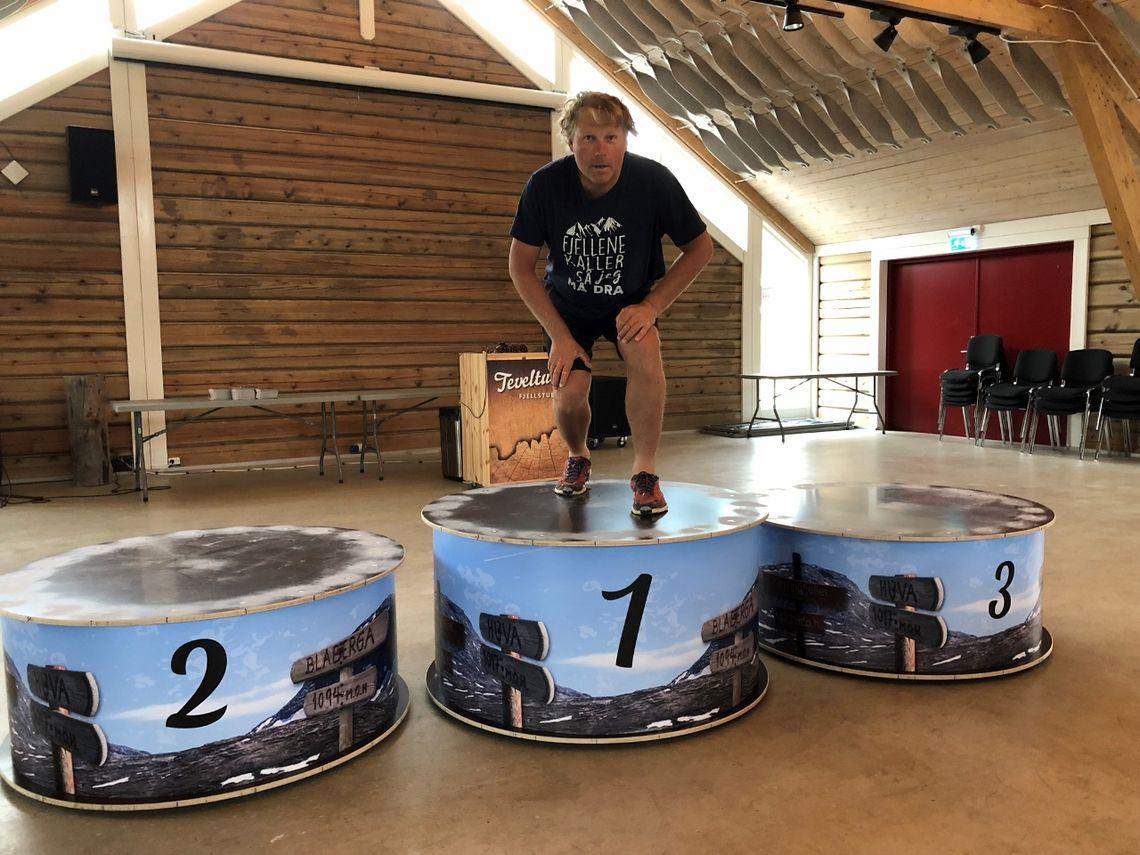 Hallgeir Martin Lundemo tester premiepallen i Tevelhallen
