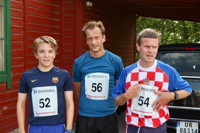 De tre beste på 5 km. Fra venstre, Ludvik Markussen Ytterdal (nr. 3), Jan Endre Rise (vinner) og Leif Sægrov (nr. 2)