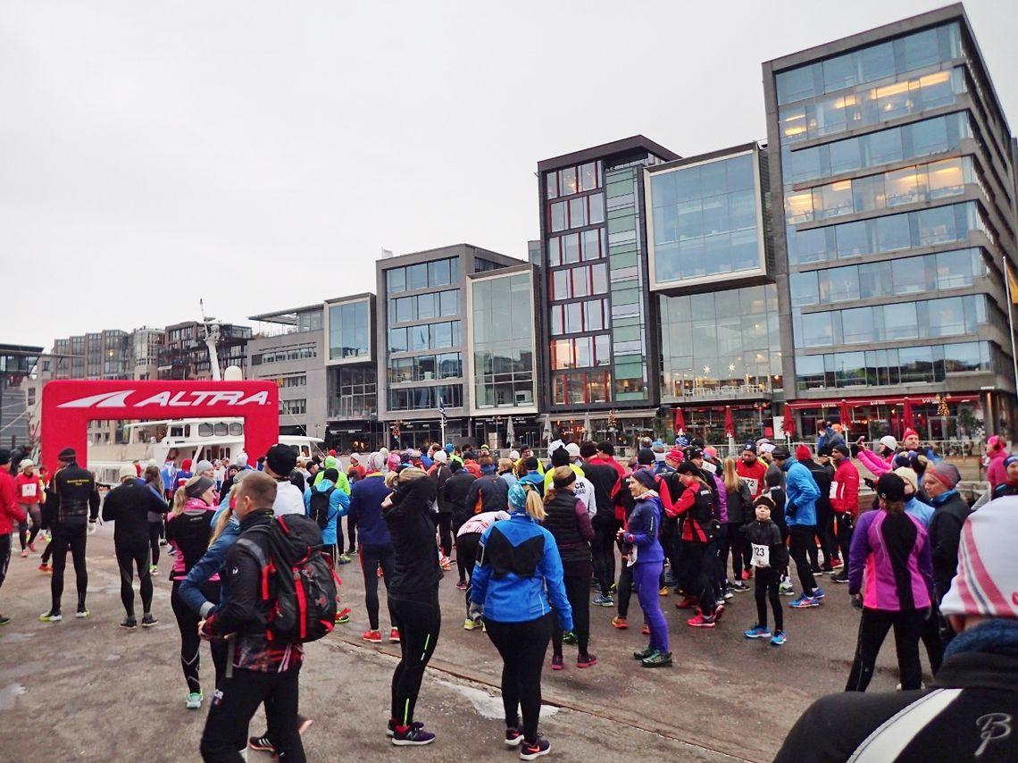 Like før start på Kondis' Nyttårsløp 2017. (Foto: Olav Engen fra baktroppen)